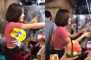 Dân mạng 'đứng ngồi không yên' trước hình ảnh cô gái bán nước trái cây 'nóng bỏng'