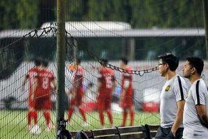 HLV Malaysia 'thám thính' buổi tập của đội tuyển Việt Nam