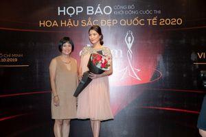 Lan Khuê mang bầu 8 tháng vẫn duyên dáng và nhận lời làm giám khảo Hoa hậu