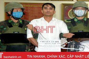 Bị bắt khi mang theo súng ngắn, vận chuyển 6 bánh heroin từ biên giới vào Hà Tĩnh