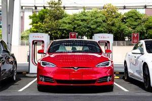 Tesla sắp ra mắt pin xe điện chạy 1.609.344 km mới hỏng