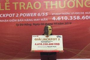 Cô bán vé số dạo ở Đà Nẵng trúng 4,6 tỷ đồng Vietlott nhờ tấm vé số 'ế'