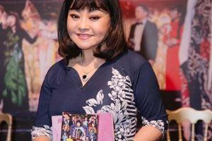 Danh ca Hương Lan ra mắt DVD 'Một đời sân khấu' và thực hiện hồi ký trên youtube