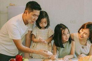 Lưu Hương Giang lên tiếng về việc ly hôn Hồ Hoài Anh nhưng vẫn sống chung nhà