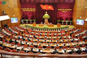 Ngày làm việc thứ hai của Hội nghị Trung ương 11