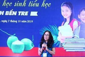 Bến Tre: Trao tặng hàng chục ngàn đầu sách hay cho học sinh tiểu học