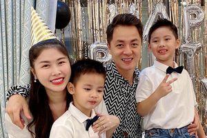 Vợ chồng Đăng Khôi mừng sinh nhật con trai 4 tuổi