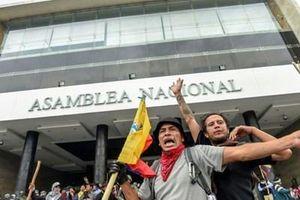 Biểu tình bạo lực leo thang tại Ecuador