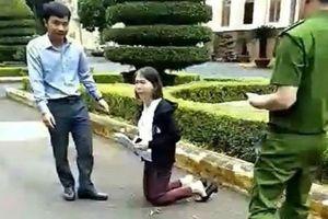 UBND tỉnh Đắk Lắk trả lời vụ việc 'cô giáo quỳ gối'