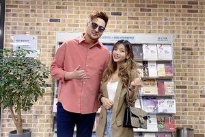 Katleen Phan Võ vui mừng gặp ca sĩ Kim Tae Woo tại Hàn Quốc