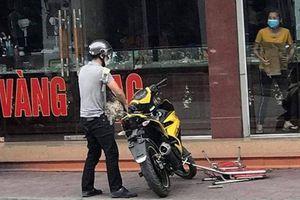 Công an thu được những gì tại hiện trường vụ cướp tiệm vàng ở Quảng Ninh?