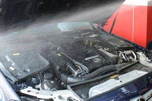 Những lưu ý khi vệ sinh khoang máy động cơ ô tô