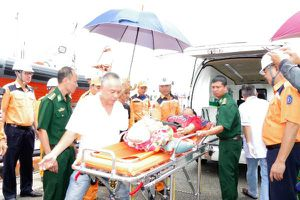 Cứu nạn kịp thời ngư dân Cà Mau bị đứt lìa hai chân do bị tai nạn lao động trên biển