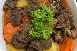 Cách làm bò kho khoai tây, cà rốt ăn với cơm trắng ngày lạnh