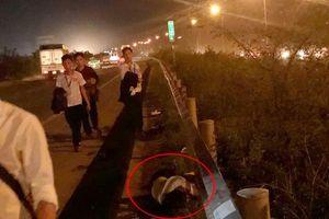 Ô tô đâm vào nhóm công nhân trên cao tốc Hà Nội-Bắc Giang, 2 người chết