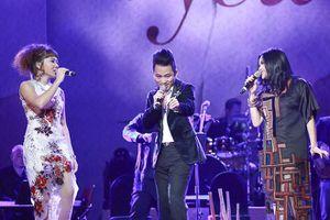 Thanh Lam - Tùng Dương - Hà Trần kết hợp trong liveshow 'Mây và em'