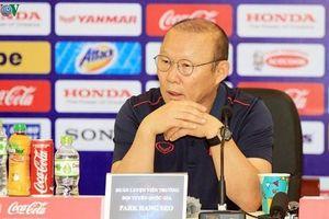 Loại 2 hậu vệ cánh, HLV Park toan tính điều gì khi đấu Malaysia?