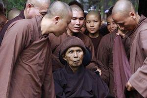 Sau 1 năm trở về Việt Nam, sức khỏe thiền sư Thích Nhất Hạnh thế nào?