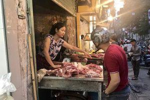 Thịt lợn tăng vọt 5 giá mỗi ngày, tiểu thương choáng váng vì cao gần gấp đôi trước đây