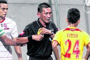 Lương cao như Công Phượng 'đi Tây', vậy tại sao cầu thủ Malaysia vẫn bán độ?