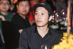 Là ngôi sao hạng A nhưng vì sao danh hài Hoài Linh phải mượn đồ để đi sự kiện?