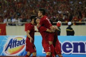 Sao Việt mừng rỡ khi Việt Nam thắng Malaysia