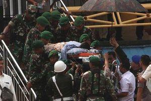 Toàn cảnh vụ Bộ trưởng An ninh Indonesia bị nghi phạm theo IS tấn công bằng dao