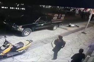 Thị trưởng bị dân trói rồi kéo lê sau xe do thất hứa