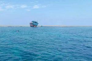 Tàu Trung Quốc ngăn ngư dân Việt Nam cứu nhau ở Hoàng Sa