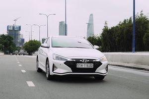 Đánh giá Hyundai Elantra Sport 2019 giá 769 triệu, thiết kế còn hiền
