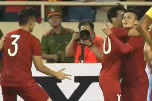 Quang Hải thành thánh cà khịa mới sau trận Việt Nam thắng Malaysia