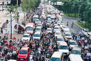Giải quyết ùn tắc giao thông đường Nguyễn Hữu Cảnh