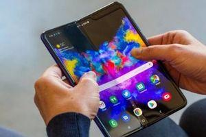 Điện thoại màn gập Galaxy Fold khiến người dùng lo lắng vì phí sửa màn hình rất cao