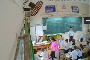 Phía sau cái camera quay lén lớp học