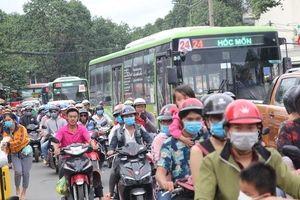 Ô nhiễm không khí gia tăng, TP HCM quyết kiểm soát khí thải xe 2 bánh