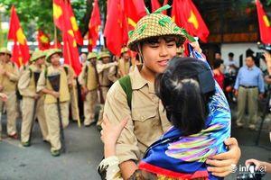 Hà Nội: Tái hiện 'Ký ức Hà Nội - 65 năm' đoàn quân chiến thắng trở về