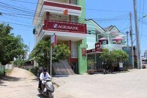 Bắt nguyên Giám đốc và Phó Giám đốc Phòng giao dịch Agribank Ninh Diêm
