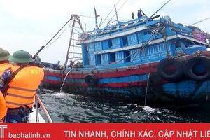 Rầm rộ tàu giã cào khai thác sò nhám trái phép ở vùng biển Hà Tĩnh