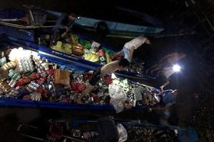 Cà Mau: Trầm mình trong nước cứu hàng hóa bị chìm