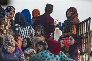 Cận cảnh dân thường người Kurd sơ tán sau màn tấn công của Thổ Nhĩ Kỳ