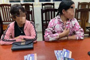 Công an Hà Nội xử phạt 'cò vé' trận Việt Nam - Malaysia