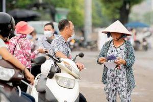 Trước trận Việt Nam - Malaysia: Phe vé vẫn hoạt động nhộn nhịp