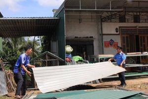 Người dân ở Đắk Nông tự tháo dỡ công trình vi phạm hành lang ATGT