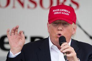 Uy tín ông Trump giảm trầm trọng