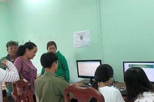 Triển khai tờ khai điện tử, cấp hộ chiếu cho hơn 480 người dân