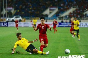 Thắng Malaysia, HLV Park Hang Seo khen Công Phượng, Văn Hậu chơi tốt