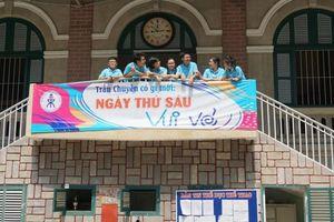 Học sinh Trần Đại Nghĩa rực rỡ sắc màu 'Ngày thứ sáu vui vẻ'