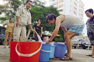 Nước sạch sông Đà bỗng bốc mùi khó chịu