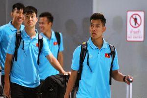 Thắng Malaysia chưa kịp vui, đội tuyển Việt Nam lại trắng đêm di chuyển