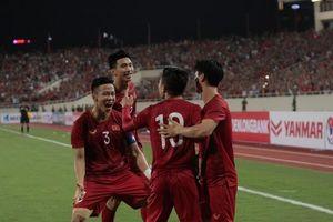 ĐT Việt Nam được thưởng gần 4 tỉ đồng sau khi đánh bại Malaysia